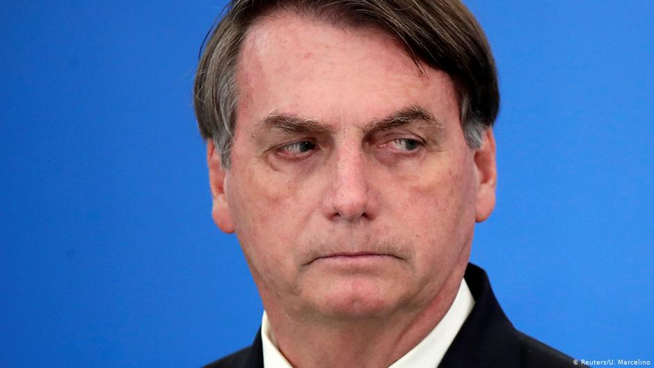 Médicos e cientistas entregam pedido de impeachment contra Bolsonaro