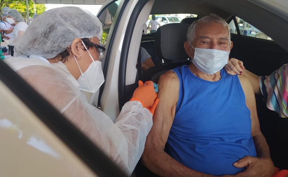 Idosos de 87 anos já podem ser vacinados em João Pessoa. Veja onde pode se vacinar