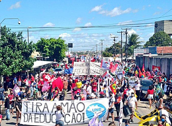 Paraibanos voltam às ruas em protesto contra o presidente Jair Bolsonaro