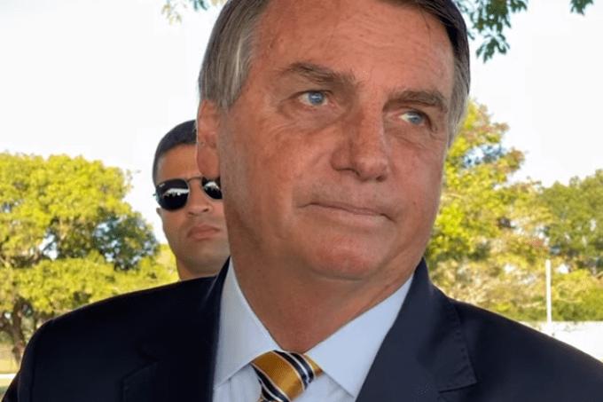 Governo Bolsonaro deixa vencer R$ 243 mi em vacinas, testes e remédios