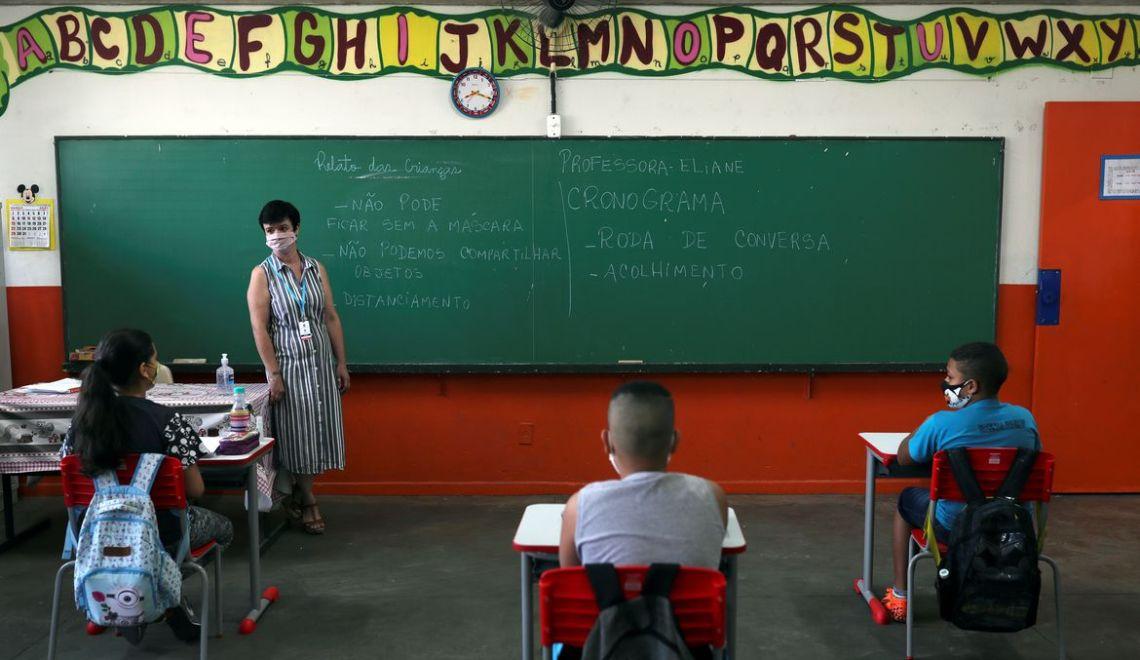 Ensino privado: Aulas são retomadas, mas com ressalvas
