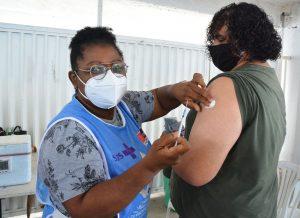 Contrariando o Ministério da Saúde, João Pessoa mantém vacinação de adolescentes sem comorbidades