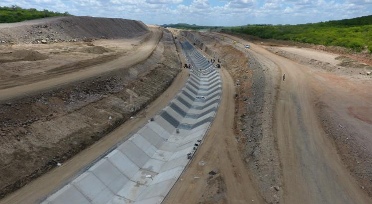 Bolsonaro inaugura obra hídrica em Pernambuco que ainda não pode distribuir água