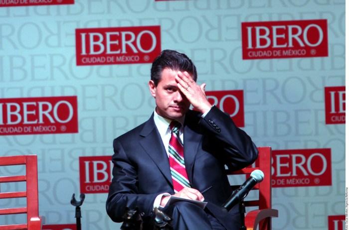 Enrique Peña Nieto en la Universidad Iberoamericana, Ciudad de México | Fotografía Oscar Mireles Agencia Reforma