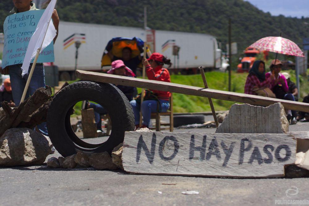 Bloqueo en la autopista San Cristóbal - Tuxtla | Fotografía: Antonio Hernández
