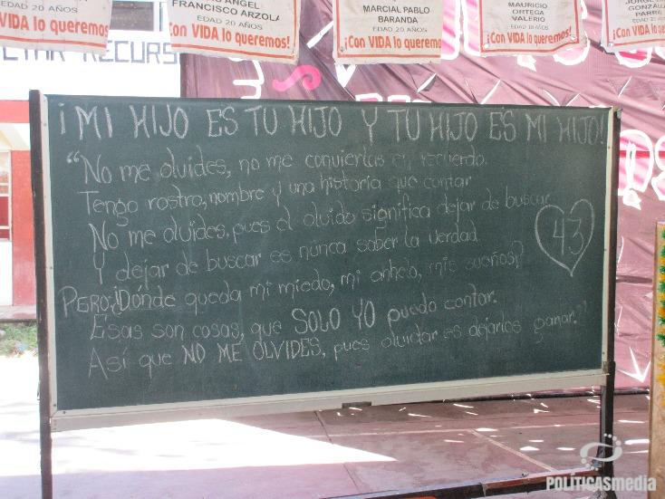 Normal rural Raúl Isidro Burgos de Ayotzinapa, Guerrero. Fotografía: Alejandro Cardiel | Políticas Media.