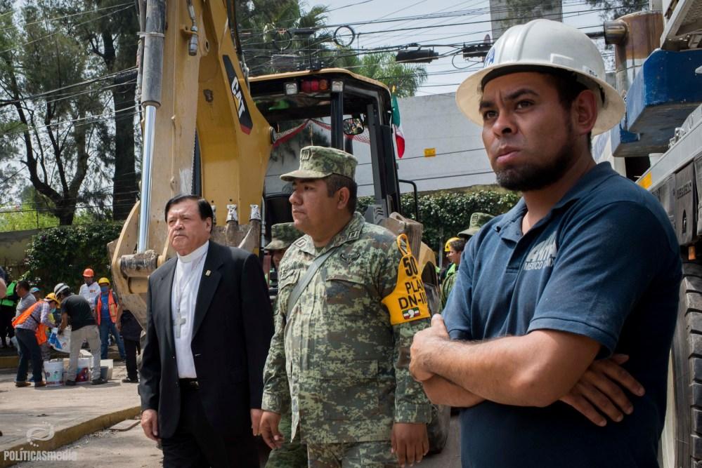 Norberto Rivera en la Escuela Enrique Rébsamen. Foto: Gerardo Luna | Políticas Media