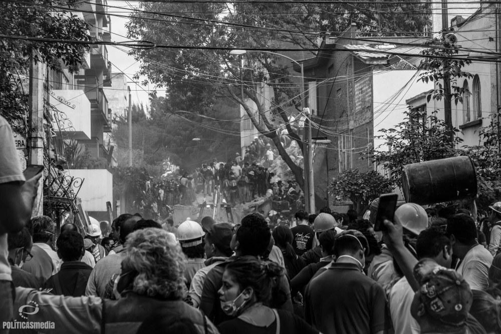 Labores de rescate ante colapso de edificios en Gabriel Mancera y Escocia, en la Colonia Del Valle. Foto: Mónica Olivares | Políticas Media.