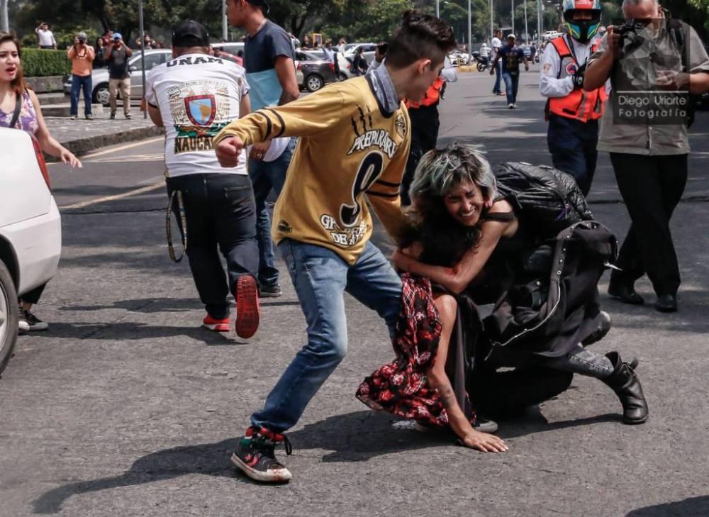 Agresiones por parte de porros a estudiantes que se manifestaban en la Rectoría de la UNAM, el 3 de septiembre de 2018. Foto: Diego Uriarte Fotografía.