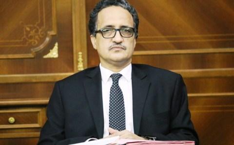 السفير المستقيل إسلك ولد احمد إزيد بيه يكتب عن الملايين القطرية (تفاصيل )