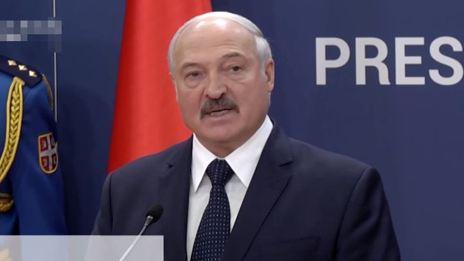 Lukašenkov recept za borbu protiv koronavirusa: TRAKTOR I RAD LEČE SVE
