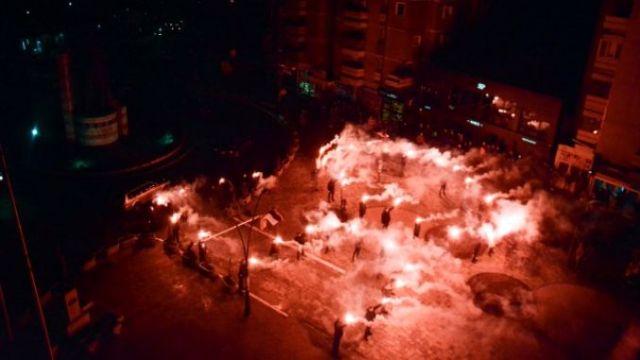Umesto štafete za Vučićev rođendan - BAKLJADA (VIDEO)