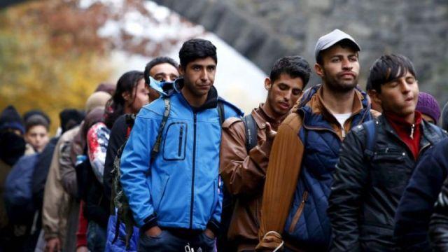 Sporazum ipak postoji, potpisao ga je Stefanović: Austrija može da vraća migrante i odbijene azilante u Srbiju