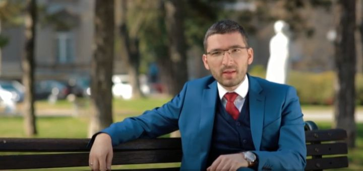 Parović prvi objavio snimke prebijanja u Novom Sadu: Dirnuo sam u osinjak, policija neka uhapsi mene kada već ne hapsi kriminalce