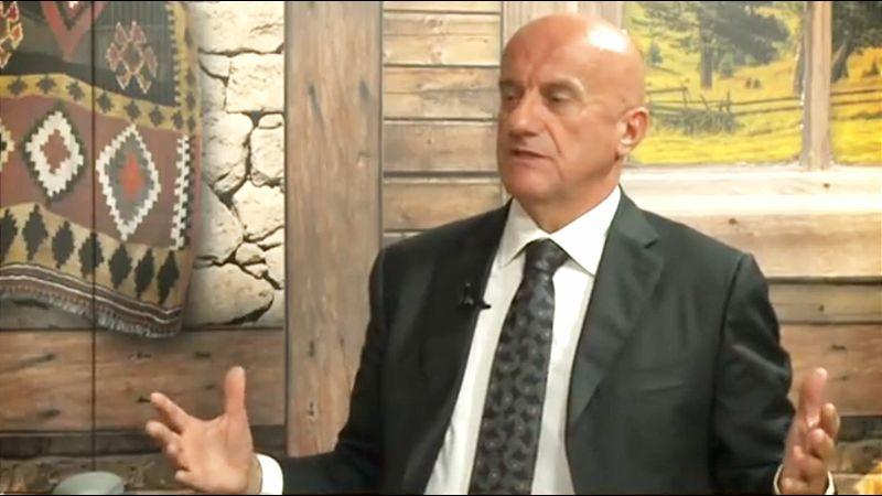 Daka Davidović osniva partiju