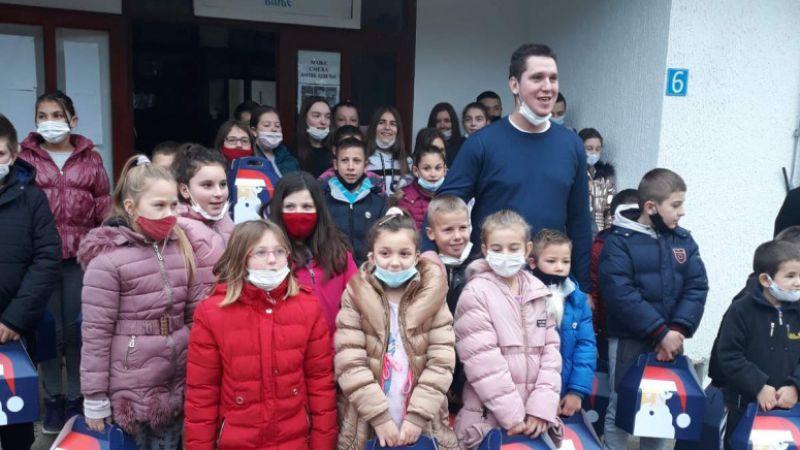 Danilo Vučić - Humanitarac po tatinom zadatku
