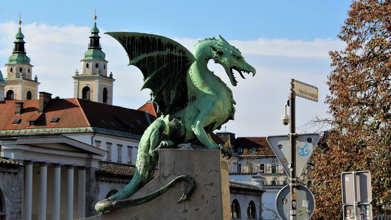 U Sloveniji državni službenici do 1. oktobra moraju da imaju dokaz o vakcinaciji