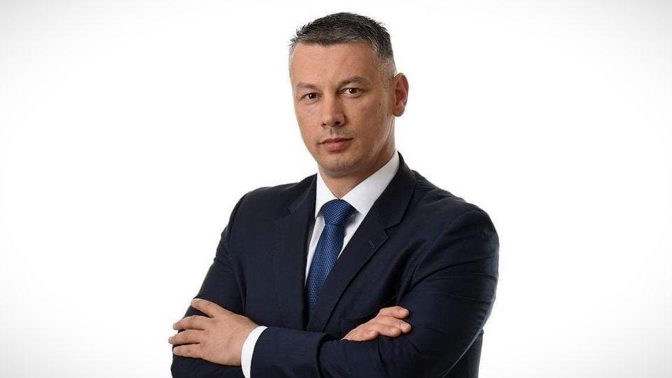 Nenad Nešić najavio tužbu protiv režimskih portala: Padate svi zajedno!