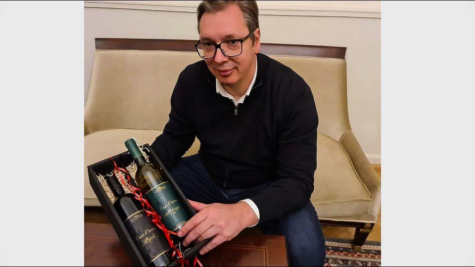 Vinari iz Kopra poslali Vučiću vina, on im priznao da su pametniji od njega