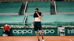 Cicipas pobedio Medvedeva za polufinale Rolan Garosa