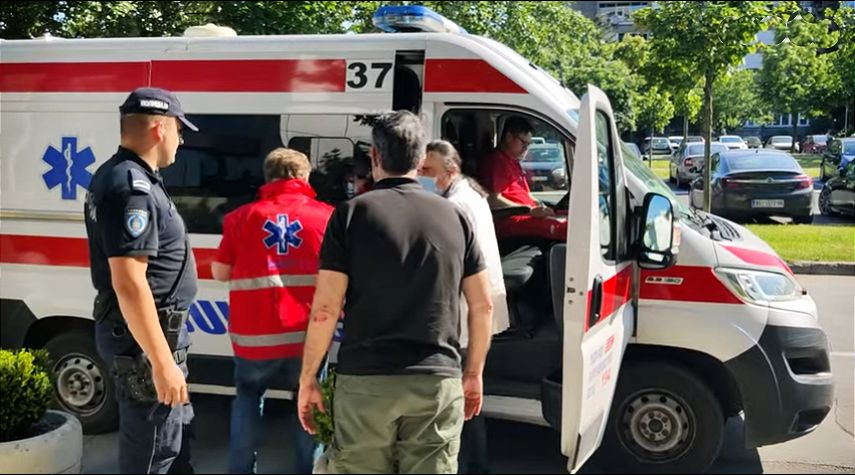 Tuča advokata u Novom Beogradu, povređen Čedomir Kokanović
