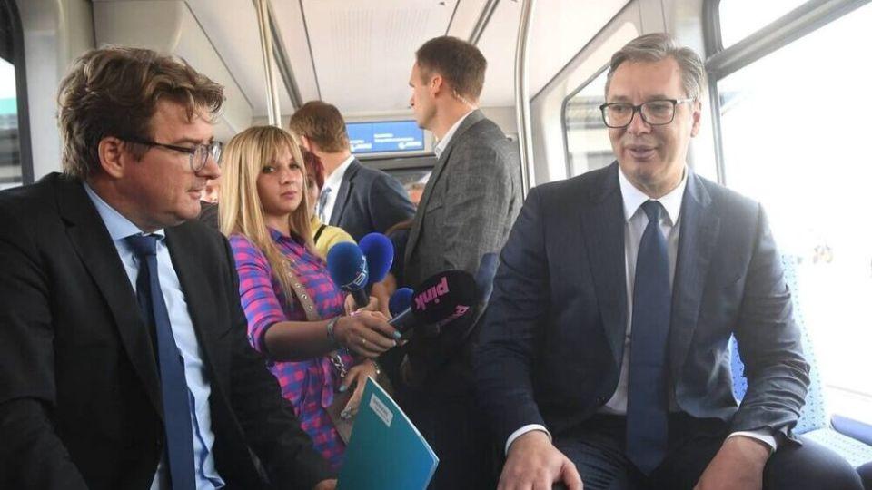 Vučić daje VAŠIH 20 MILIONA EVRA nemačkom Simensu
