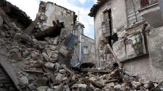 Najmanje 227 mrtvih u razornom zemljotresu na Haitiju