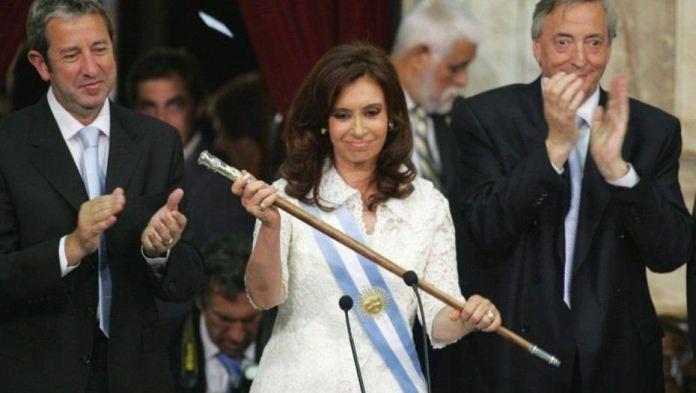 Los bastones de Néstor y Cristina, serán devueltos a Calafate