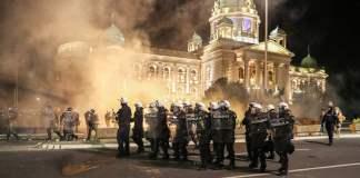 Disturbios en Serbia