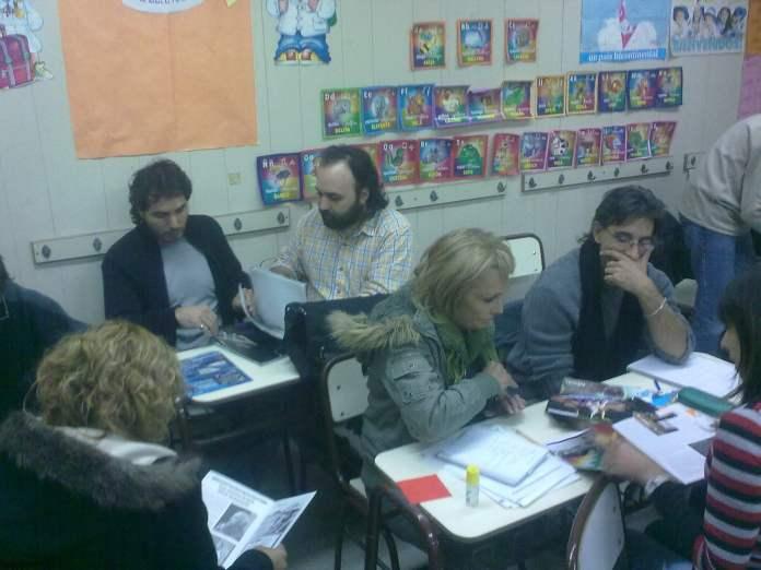 Los docentes podrán volver paulatinamente al colegio