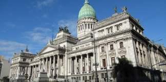 Argentina padece inflación de leyes