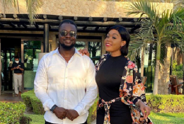 Eddie Nartey posted a picture with his wife and announced her demise