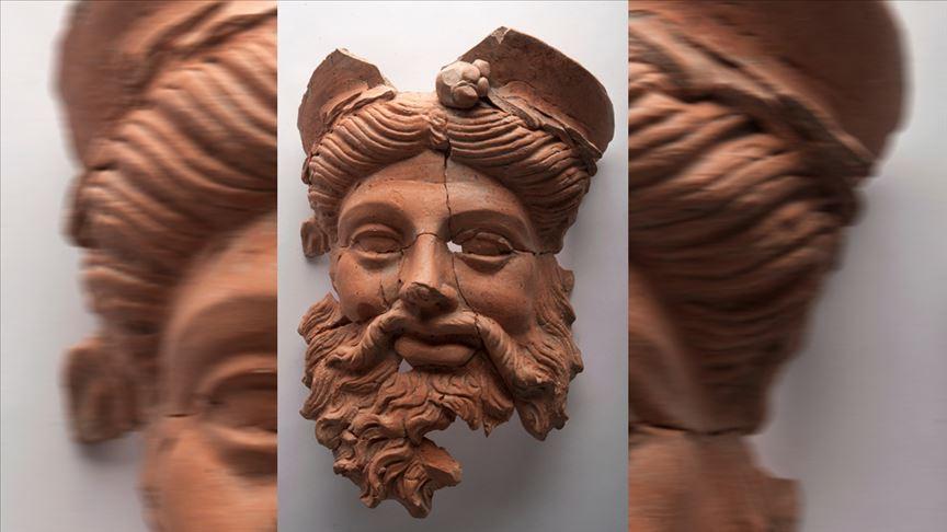 DASKYLEİON ANTİK KENTİNDE M.Ö. 4. YÜZYILA AİT MASK BULUNDU