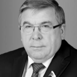 Рязанский Валерий Владимирович - биография и семья