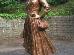 """Leigh Scott Has Been Mocking the Tear Down of Statues - (see the list here) """"Lucille Ball registered as a Communist in 1936. She supported"""