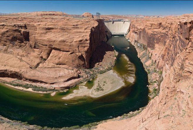 Glen Canyon Dam. Arizona