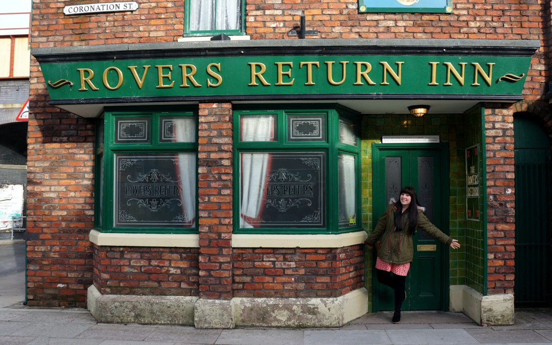 BLOGGER'S GUIDE TO MANCHESTER :: THE CORONATION STREET TOUR
