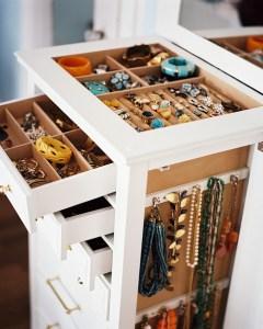 Jewelry+Organizer+white+standing+jewelry+case+yd-CRp7xoj-l