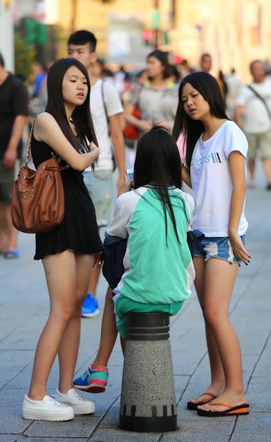 pretty girls黑上衣與白上衣短褲漂亮女孩IV