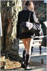 【發問】為什麼日本女學生的裙子都那麼短?