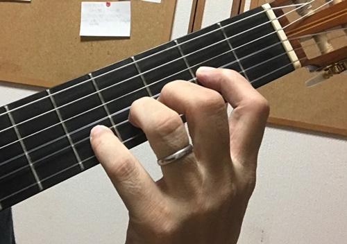 クラシックギターの左手1