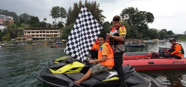 Kapolres Simalungun AKBP Heribertus Ompusunggu, S.I.K., M.Si. Lepas Pertandingan Solu Bolon Poldasu Toba Lake Fiesta 2019