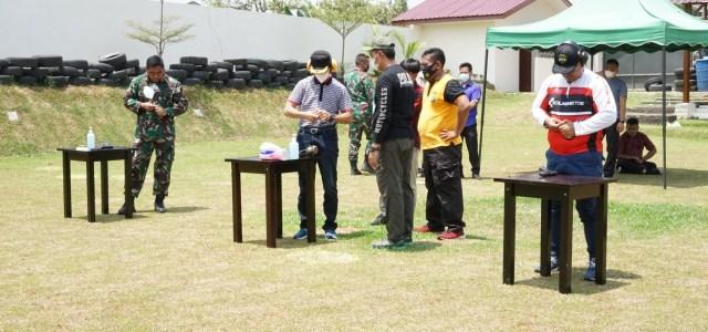 Tingkatkan Sinergitas TNI-Polri Plus, Forkopimda Latihan Menembak Bersama Kapolres Simalungun di Lapangan Tembak Sarja Arya Racana