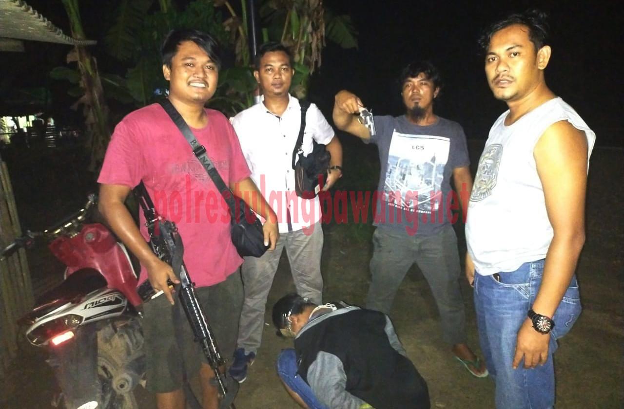 Tekab 308 Polres Tulang Bawang tangkap pria pembawa senpi ilegal berikut amunis aktif