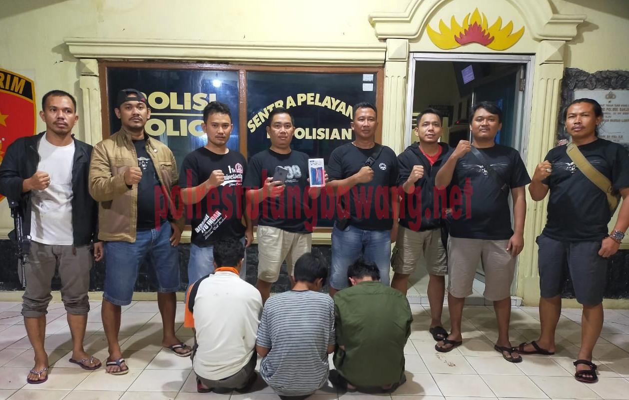 Petugas berhasil menangkap tiga pelaku curas terhadap pelajar di jalan menuju Kampung Penawar Jaya