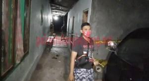 Petugas memasang police line di TMH ilegal yang berada di Kampung Kagungan Rahayu, Kecamatan Menggala