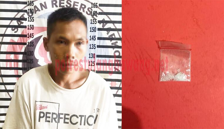 Seorang petani berinisial SA (22), yang merupakan Bandar Narkotika untuk lima warga binaan Rutan Kelas II B Menggala yang berhasil ditangkap Satresnarkoba Polres Tulang Bawang