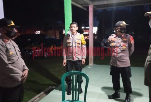 Kapolres Tulang Bawang AKBP Andy Siswantoro, SIK pimpin langsung pengamanan Misa Malam Natal 2020 di GKSB Tugu Kuning, Kampung Dwi Warga Tunggal Jaya