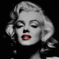 blonde marilyn monroe