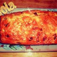 Cake au chèvre, chorizo et tomates séchées